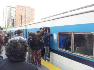Así se viaja hoy en el Tren Sarmiento