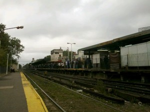 Asi se ponia Castelar cuando habia demoras en los trenes